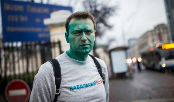 The ill-wishers showered Aleksey Navalny with a Zelenka (Brilliant Green antiseptic)