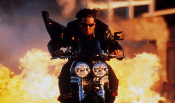All the motorcycle stunts are performed by Tom Cruise himself