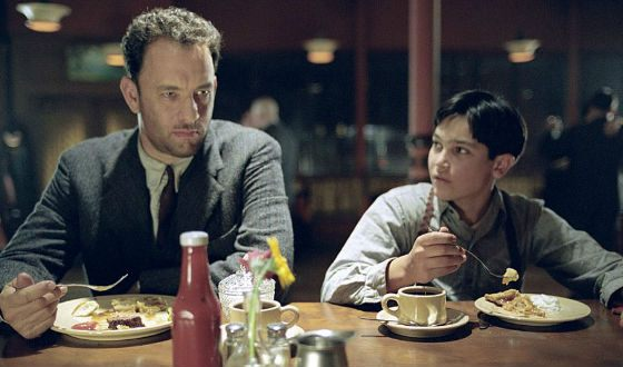 In Road to Perdition, Taylor Hoechlin played with Tom Hanks