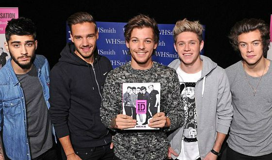 «One Direction: Where We Are» official book