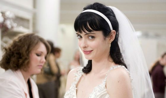 Krysten Ritter in Confessions of a Shopaholic