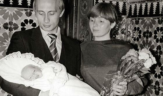 Vladimir and Lyudmila Putin with the eldest daughter Maria