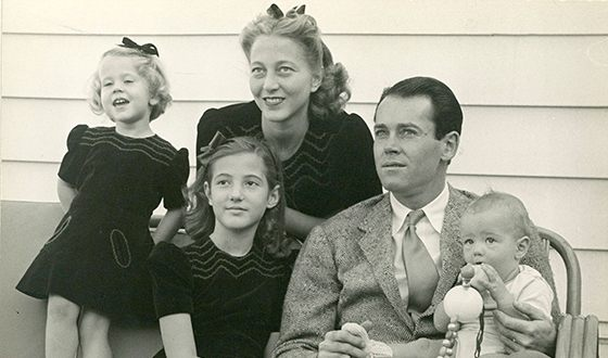 Jane Fonda (on the left) and her family