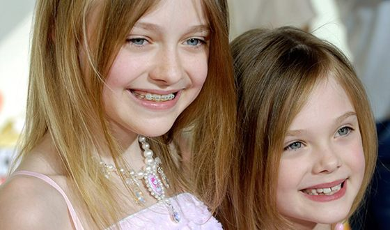 Young Elle and Dakota Fanning