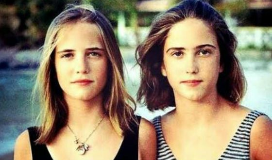 Eva Green and her twin sister in their youth