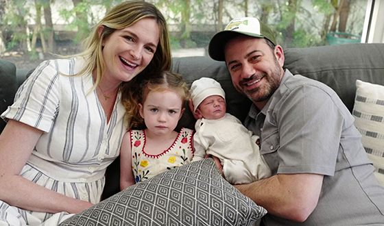 Jimmy Kimmel with his wife and children