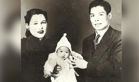 Bruce Lee with his parents in his childhood
