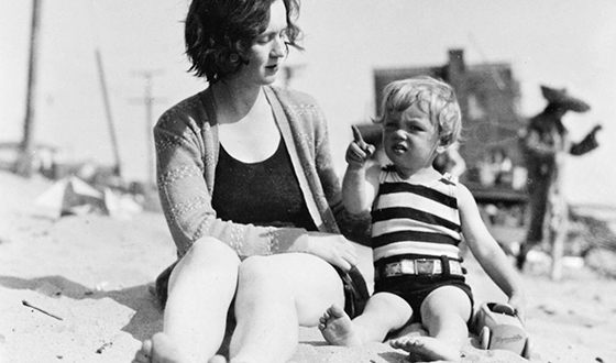 Norma Jeane as a child with her mother Gladys