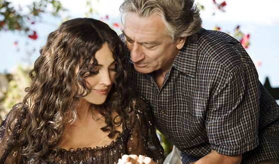 Robert De Niro and Monica Bellucci in the movie «The Ages of Love»