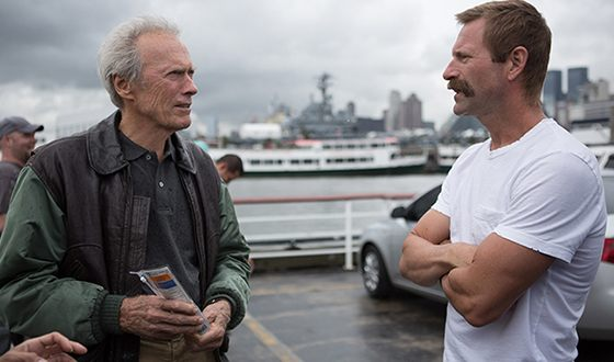 Clint Eastwood and Aaron Eckhart on the set of the «Sully»