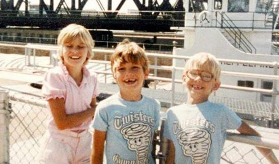 Ashton Kutcher with his brother and sister in their childhood