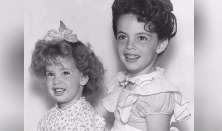 A childhood picture of Linda Hamilton (on the right)