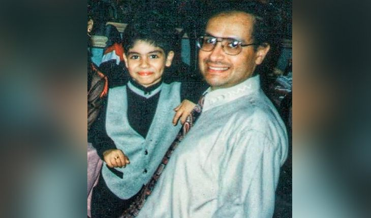 Mena Massoud with his father in childhood