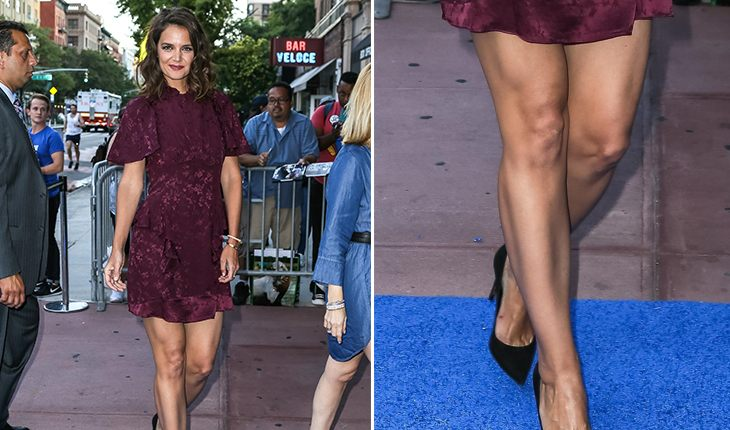 Katie Holmes: photo of legs
