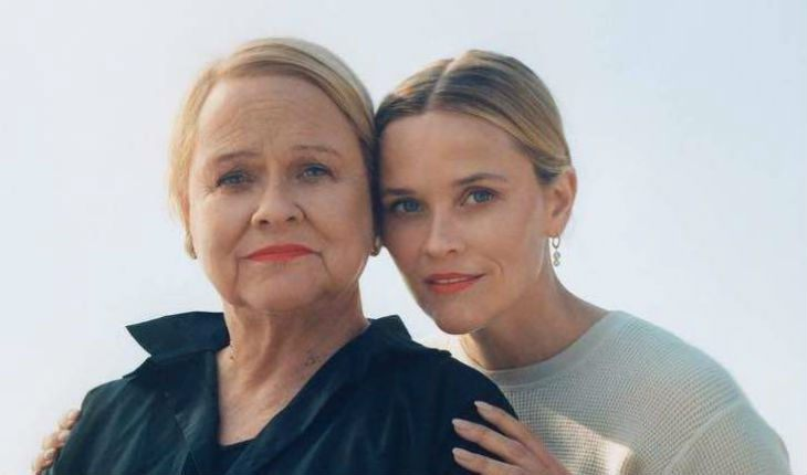 Reese Witherspoon with mom