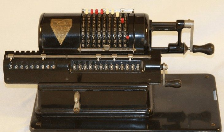 Mechanical calculator (1913)