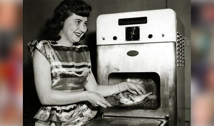 The first microwave oven (1947)