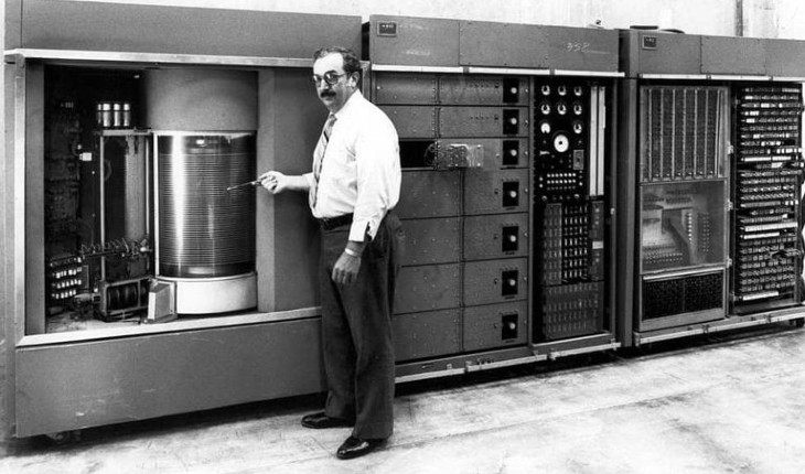 The first 5 MB hard drive by IBM (1956)