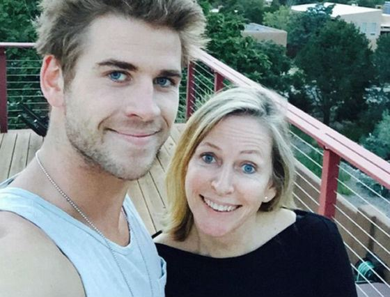 Visiting Parents: Liam Hemsworth with his Mom, Leonie