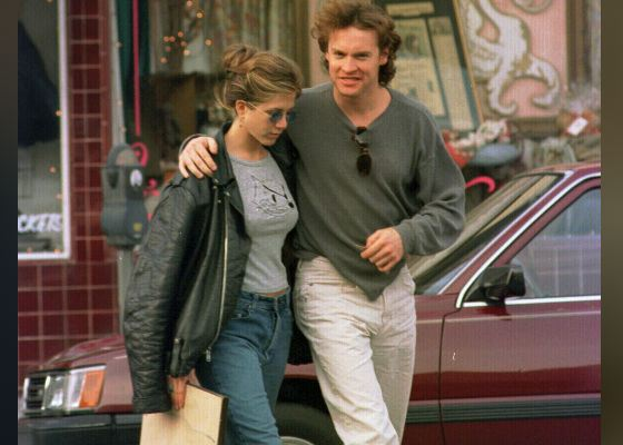 In the photo: young Jennifer Aniston and Tate Donovan