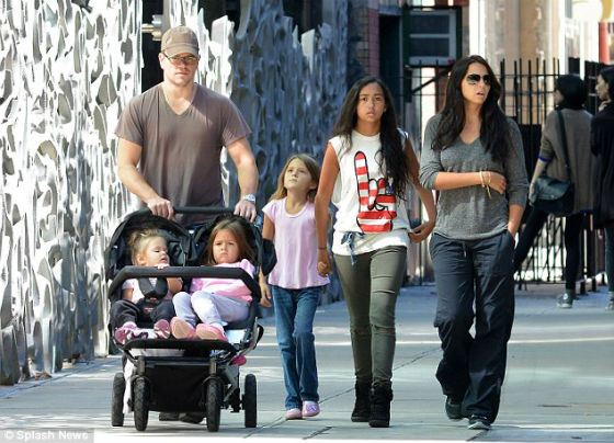 Matt Damon with his wife and children (2014)
