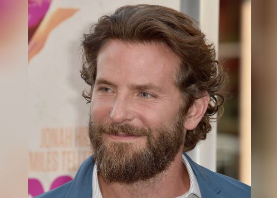 2016: Bradley Cooper at the premiere of «War Dogs»