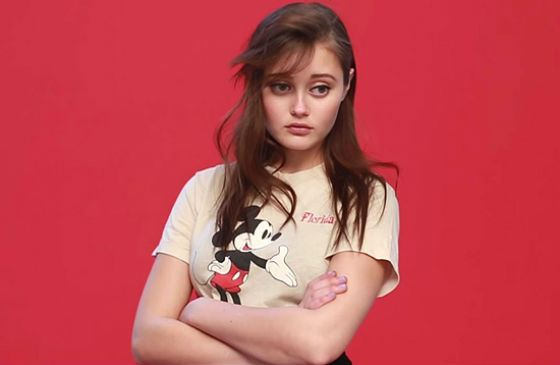Ella Purnell is a new muse of Tim Burton