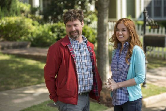 Zach Galifianakis and Isla Fisher in Keeping Up with the Joneses